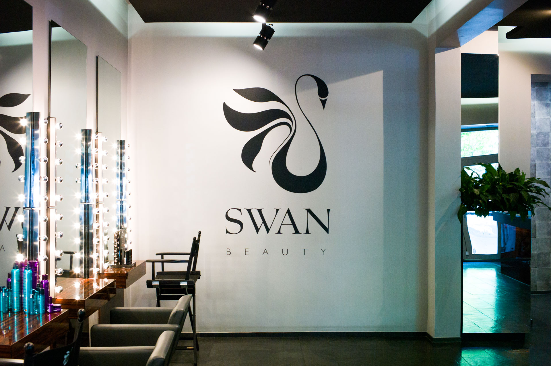Swan Beauty CI